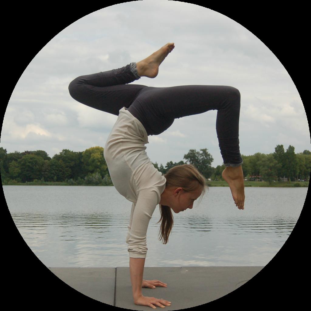 yoga lieneke instagram