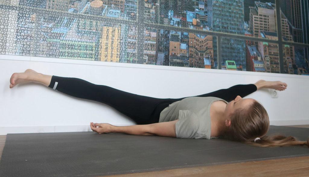 spreidzit yogahouding binnenbeenspieren