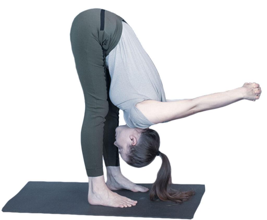 uttanasana schouderopener yoga