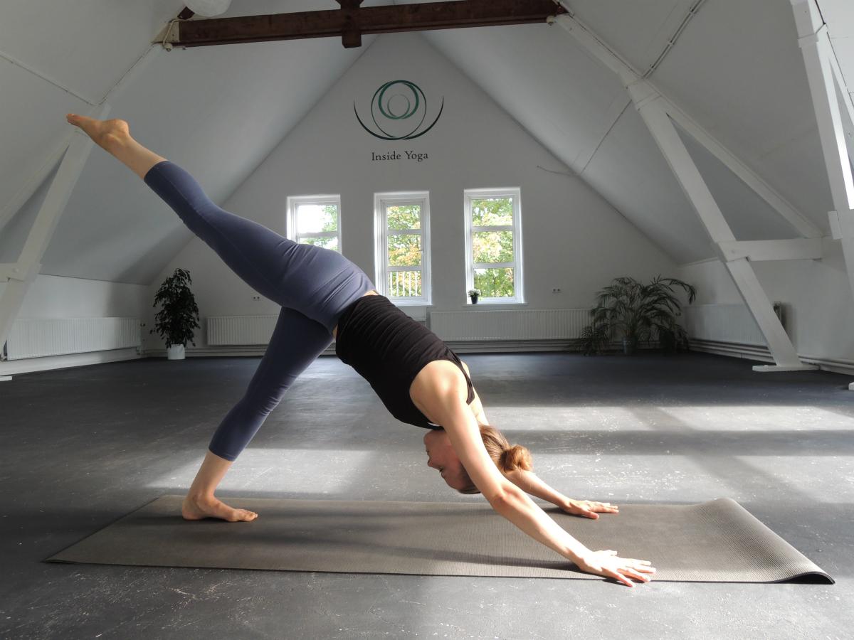 hamstrings strekken yoga oefeningen
